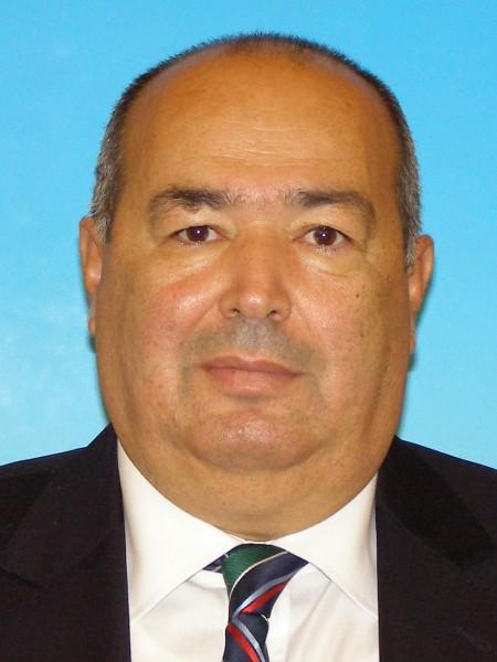 Ex-prefect Ion Burnei, infractor impropietarit la greu de Tudor Pendiuc si cu mii de titluri de proprietate false