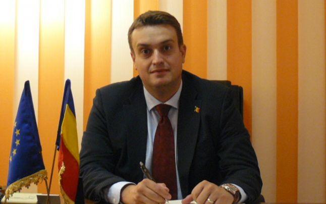 Prefectul actual Mihai Oprescu, fiu de securist