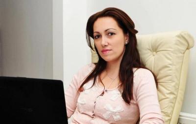 Hoaţa milionară Camelia Bădulescu, a ieşit din sărăcie prin furturi de la bugetul de stat, şantaje, etc.
