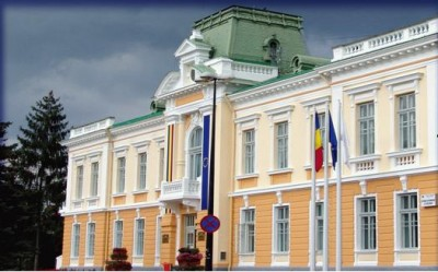 Primaria Rm. Valcea, sediul infractorilor primari
