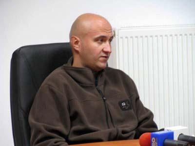 Radu Nistor, spaga multa la robele de curte