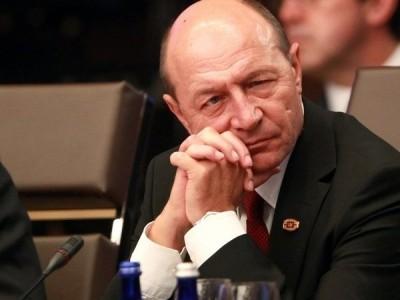 Primarul general de carton, Traian Băsescu, ursar tătar, escroc mondial