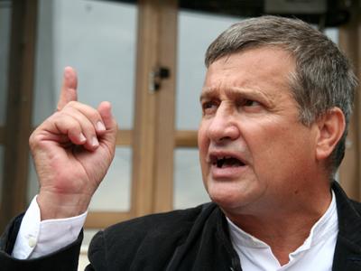 Mircea Dinescu asasinul poporului in 89