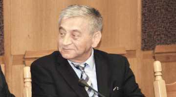 Cojocaru Petre care a făcut blatul cu Lili şi Babalâc înmânându-le 6000 de euro pentru o decizie