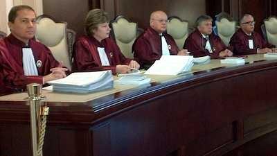 Infractorii judecători de la  CCR, diversionişti la articole de lege şi eliberare decizii abuzive pentru suma de 10 milioane de euro