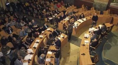 Mulţi infractori din Consiliul Local al Primăriei Craiova în foto