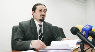 Procuror Daniel Vişan, Parchet Tribunalul Argeş, campion la dosare la comandă cu interceptări făcute pe vapoarele lui Băsescu, euro sute de mii pe dosar, clasări la samsari şi avocaţi pe euro mulţi