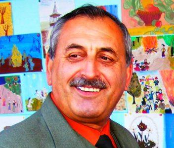 Primarul Boţârcă Gheorghe, oraş Topoloveni, AG, case, apartamente la închiriat, zeci, bugetul primăriei ras an de an, patrimoniul primăriei ras, banii U.E. idem