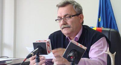 Primarul Diaconu Nicolae, Curtea de Argeş, i-a dat numai fiică-si şefului IPJ AG, Ispir Ionel, din patrimoniul primăriei, bunuri de milioane de euro, în schimbul clasărilor şi NUP-urilor