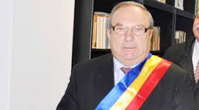 Primarul Stancu Gheorghe, Bascov, AG, de atâta cărat saci de euro s-a crăcănat