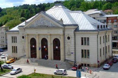 Judecătoria Câmpulung Muscel Argeş, sediul infractorilor în robe