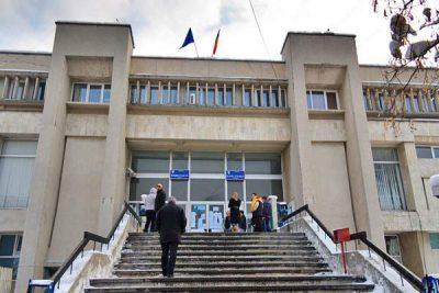 Sediul infractorilor judecători ai Tribunalului Argeş, la etajul 2, până să se mute în sediul nou