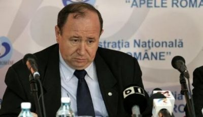 Vasile Pintilie, ex-director general al Administraţiei Naţionale  Apele Române, cel mai mare infractor,  care a avizat favorabil zeci de directori fictivi, din alte instituţii şi privat, şpăgi la greu