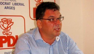 Directorul A.B.A.A.V Adrian Moisescu, director fictiv 3 ani de zile  în care a mâncat 360.000 RON, banii statului