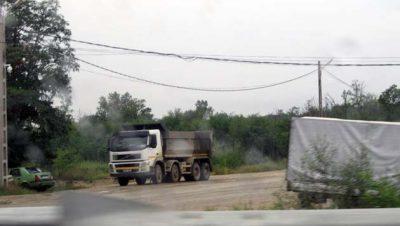 Camioanele primarului Dumitru cu marfă la negru