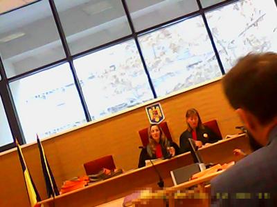 Dumitrache Babalîc Mirela (stânga), spălăcită abuzivă coruptă, milionară în euro. Danciu Aurelia (dreapta), liftieră la magazinul Trivale Pitești, coruptă, abuzivă