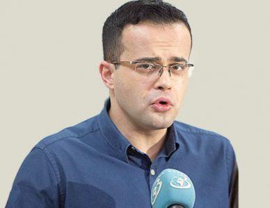 Mihai Gâdea, popa prostul, contracte cu statul și PSD fără licitații, minut plătit la 15.000 de euro. Gay actual