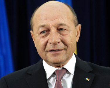 Traian Băsescu diversionist complotist