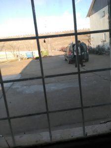 Lulea Constantin – abuziv, hoţ de benzină și de motorină, se vede canistra în mâna subalternului