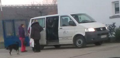 Microbuzul de la Valea Mare intervenţie, inginerii și șefa secţiei Iliuţa transportaţi gratis pe motorina instituţiei